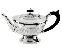 Teekanne Queen Anne, schwerversilbert, Länge 28 cm, Breite 14 cm, Höhe 16 cm, Füllmenge 0.9 Liter
