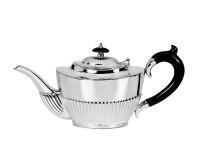 Teekanne Queen Anne, Echtsilber 925/000, Inhalt 1,2 Liter, Silbergewicht 700 Gramm